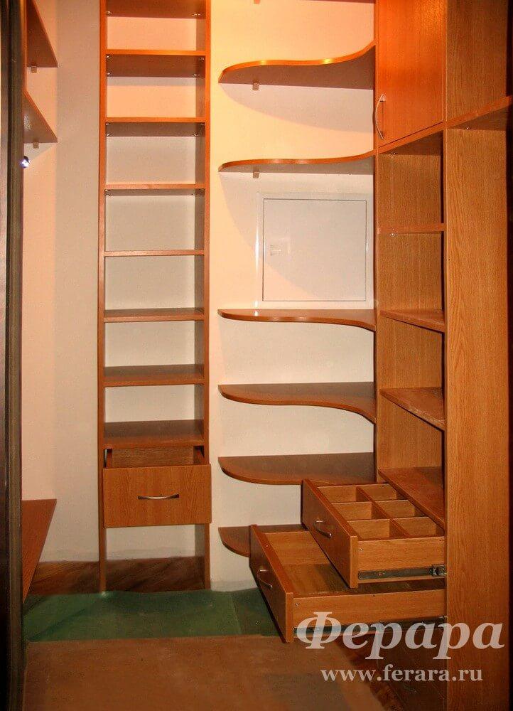 гардеробной комнаты своими