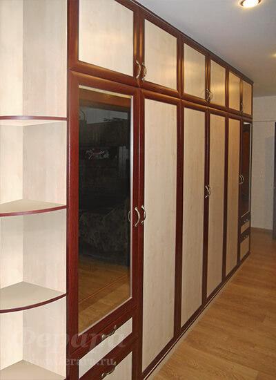 Корпусный шкаф с зеркалом и антресолью (фото, информация, ра.