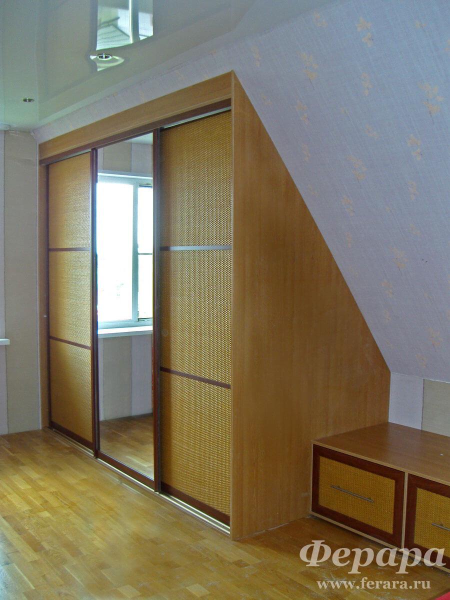 Встроенный шкаф своими руками на мансарду